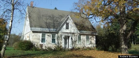 Stone house - stockphoto